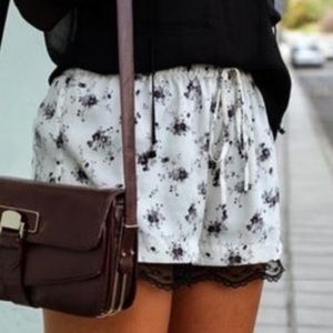 Zara white floral shorts with lace trim S